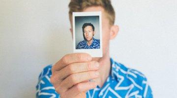 SelfieIdent ist die digitale Antwort der Bundesagentur für Arbeit auf die Präsenzpflicht (c) Kyle Glenn / unsplash